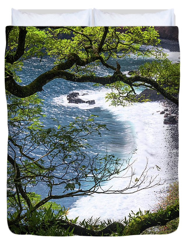 Beach Duvet Cover featuring the photograph Maui by Chad Dutson