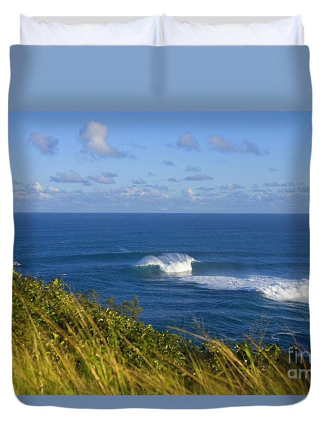 Afternoon Duvet Cover featuring the photograph Maui, Jaws Landscape by Ron Dahlquist - Printscapes