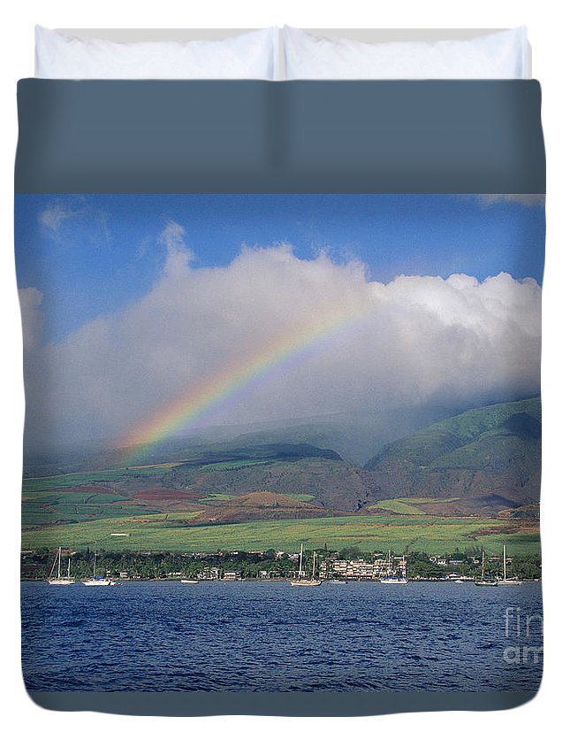 Across Duvet Cover featuring the photograph Maui Rainbow by Ron Dahlquist - Printscapes