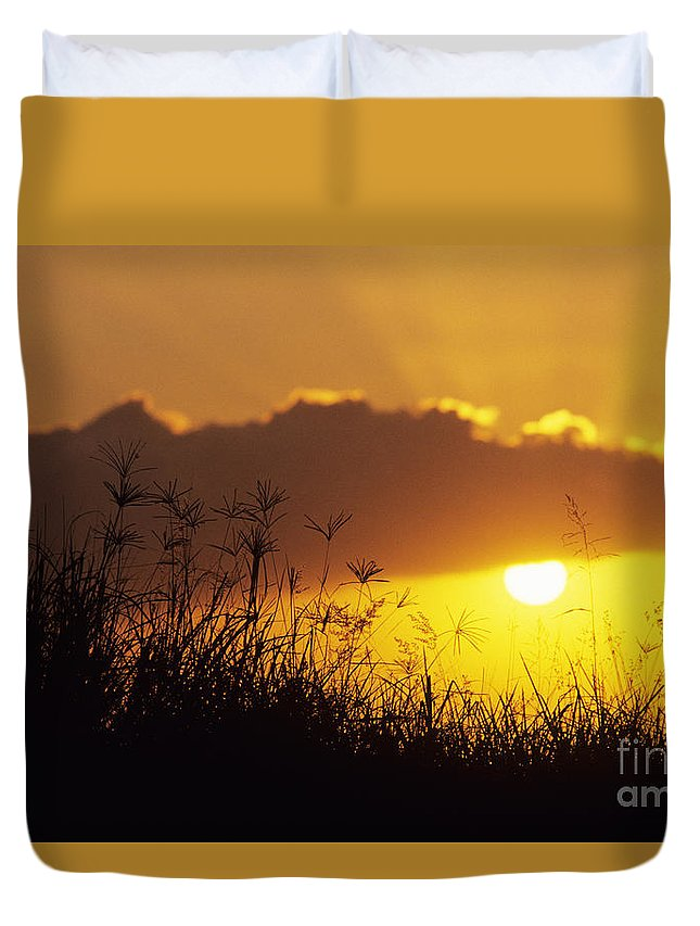 Beautiful Duvet Cover featuring the photograph Maui Sunset by Mary Van de Ven - Printscapes