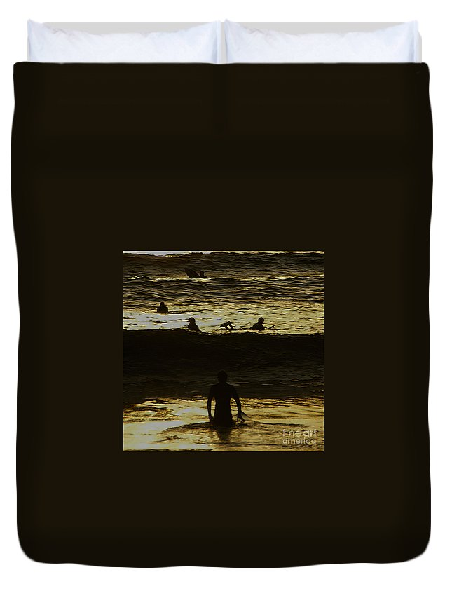 Ocean Duvet Cover featuring the photograph Meditari - Gold by Linda Shafer