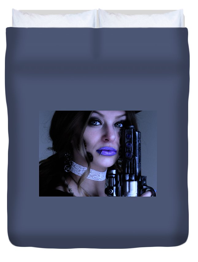 Close Up Duvet Cover featuring the photograph Melissa Gotta Gun by Bill Munster