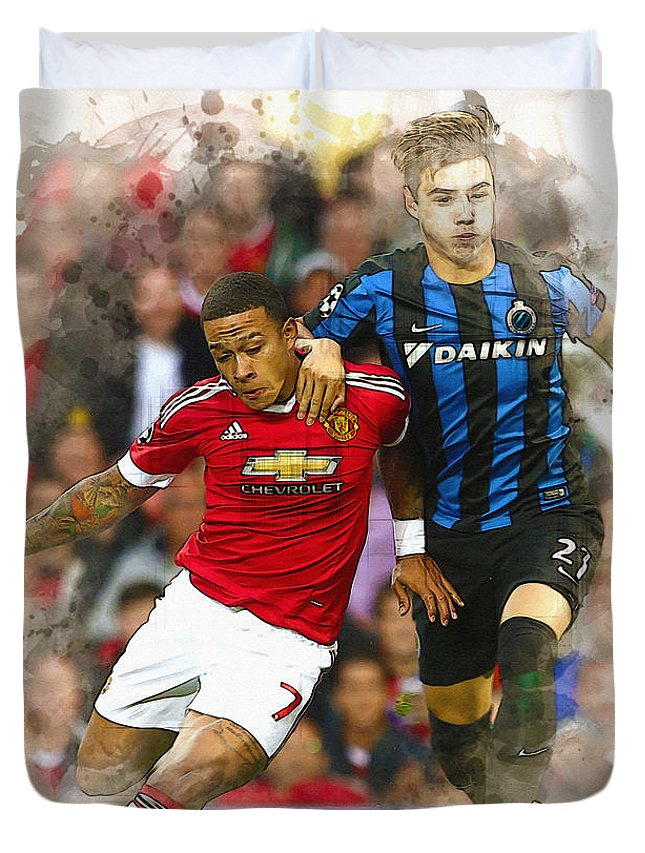 Uefa Chamipons League Duvet Cover featuring the digital art Memphis Depay Of Manchester United In Action by Don Kuing