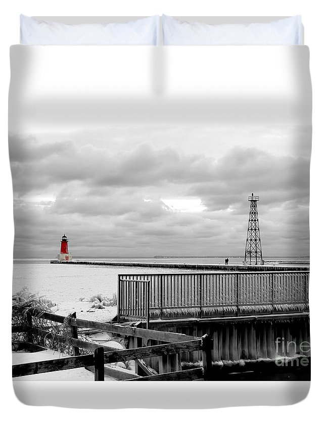 Lighthouse Ann Arbor Park Duvet Cover featuring the photograph Menominee North Pier Lighthouse On Ice by Mark J Seefeldt