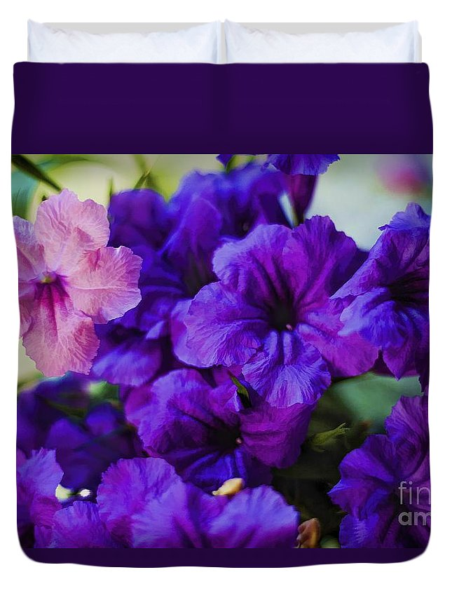 Mexican Petunia Painting Duvet Cover featuring the photograph Mexican Petunia by C W Hooper