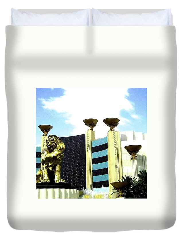 Mgm Duvet Cover featuring the photograph Mgm Lion In Las Vegas by Will Borden