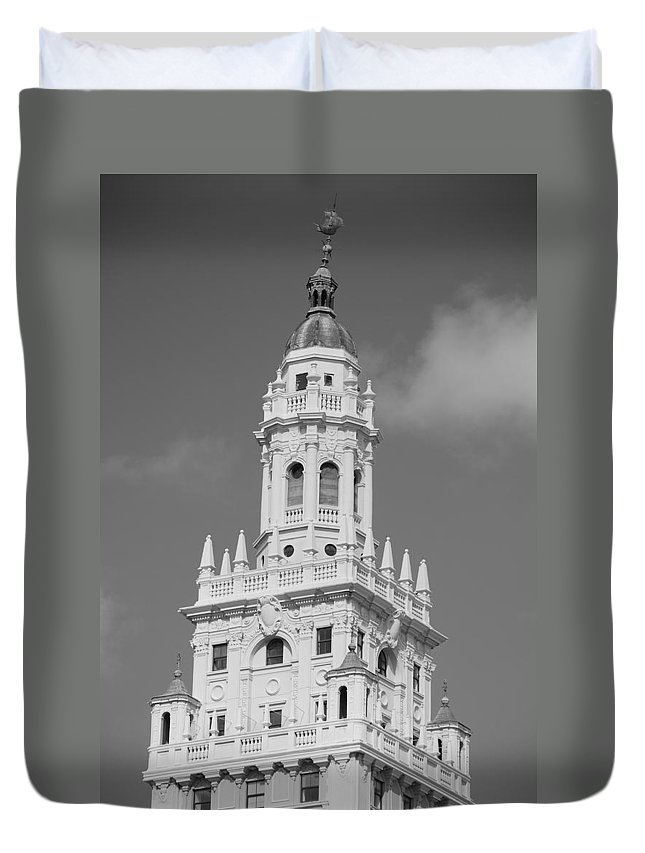 Architecture Duvet Cover featuring the photograph Miami Tower by Rob Hans