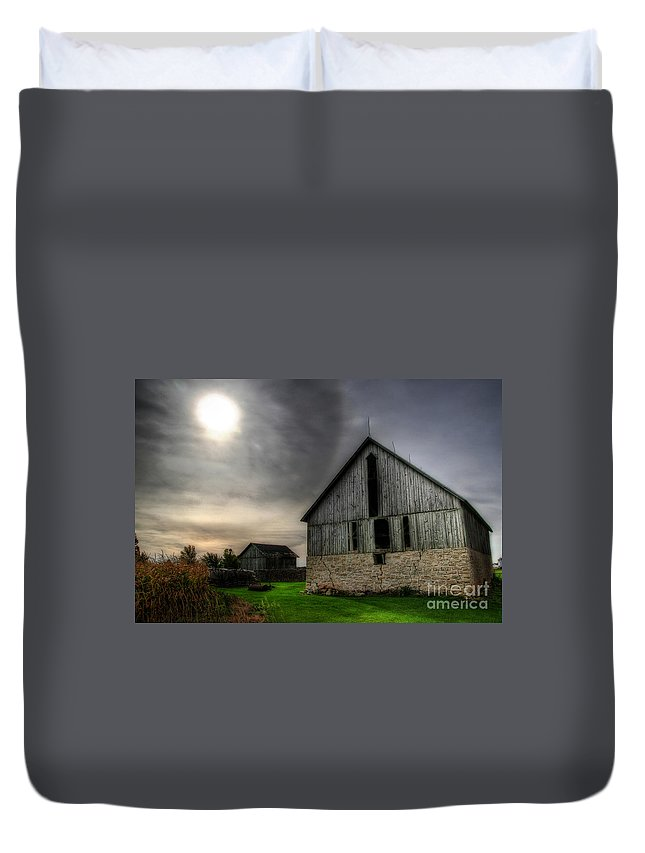 Barn Duvet Cover featuring the photograph Midday Barn by Joel Witmeyer