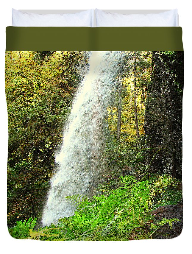 Clearwater Falls Duvet Cover featuring the photograph Middle North Falls by Ingrid Smith-Johnsen