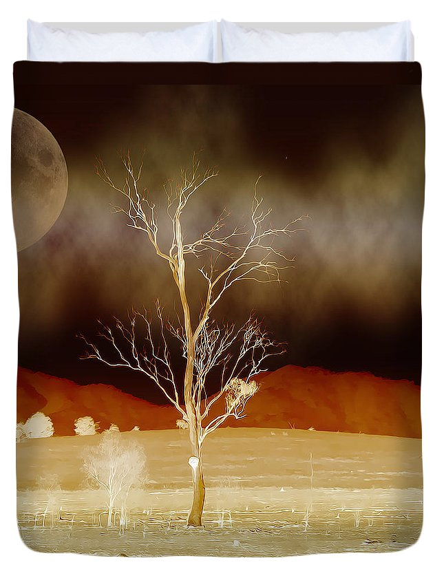 Landscapes Duvet Cover featuring the photograph Midnight Vogue by Holly Kempe