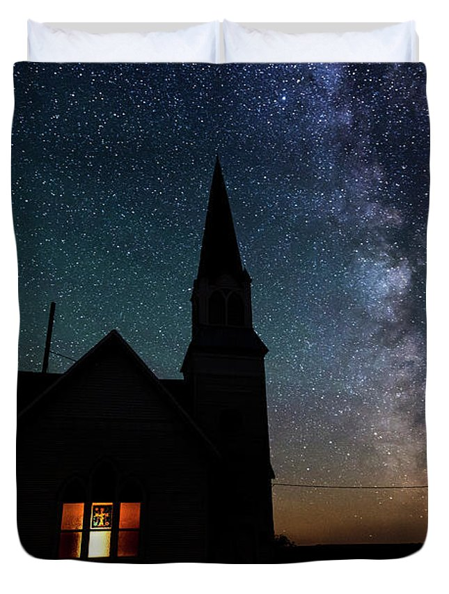 Old Church Near Spokane Duvet Cover featuring the photograph Milky Way And Old Church by Yoshiki Nakamura