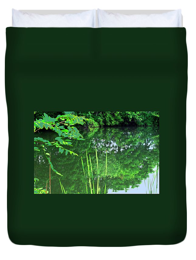 Black Creek Duvet Cover featuring the photograph Mill Pond Reflections by Ian MacDonald