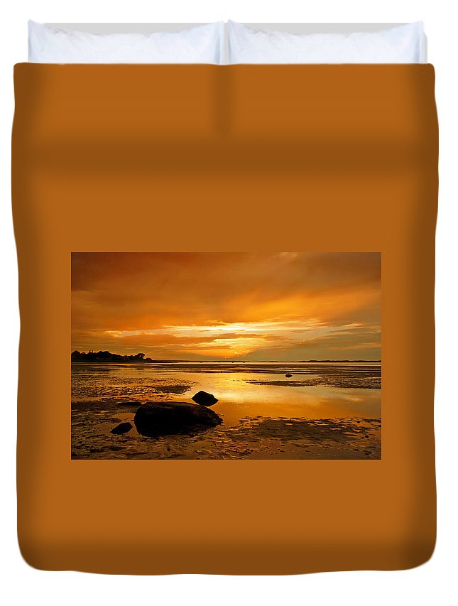 Mill Way Duvet Cover featuring the photograph Mill Way Beach Sunset by Charles Harden