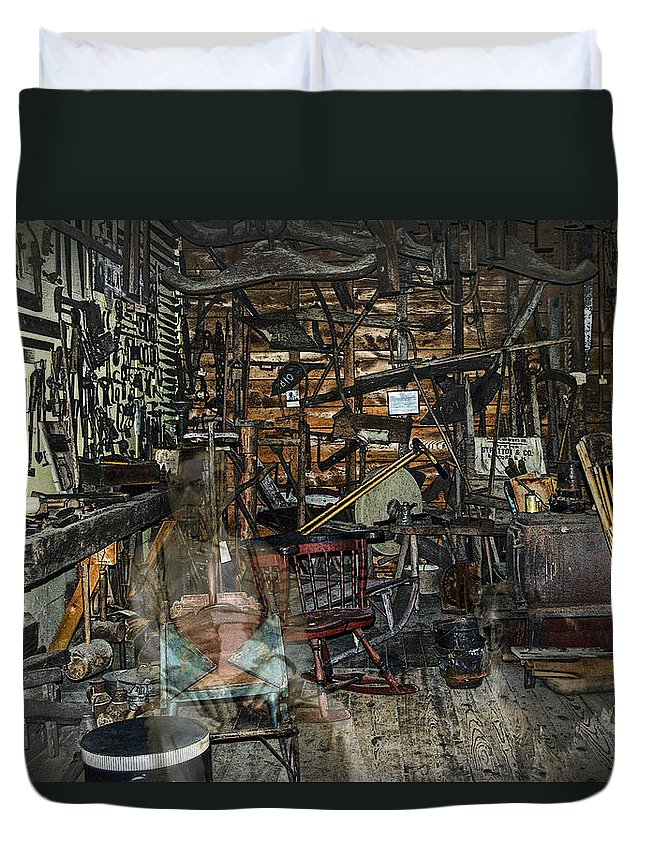 Antiques Duvet Cover featuring the photograph Mindin' The Store by Ed Hall