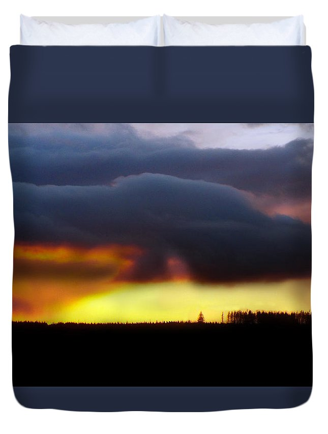 Minera Duvet Cover featuring the photograph Minera Sunset 2 by Brainwave Pictures