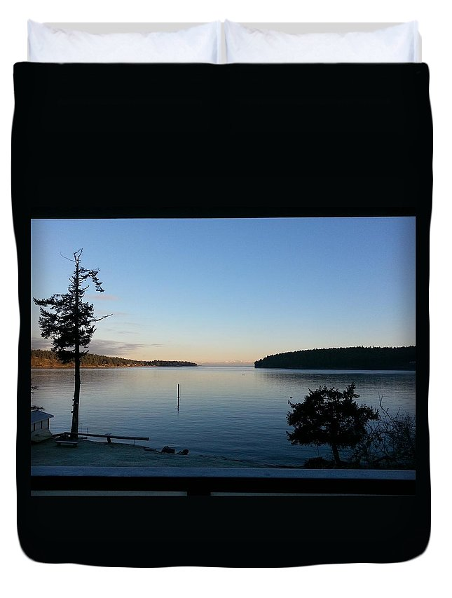 Landscape Duvet Cover featuring the photograph Miners Bay Nye Morning 2015 by John Greaves