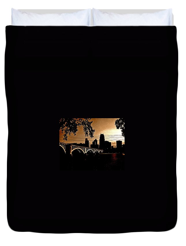 Minneapolis Duvet Cover featuring the photograph Minneapolis Skyline In Copper by Tom Reynen