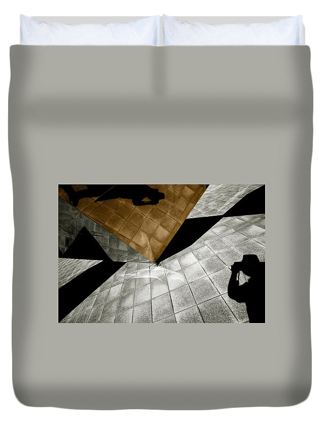 Sculpture Duvet Cover featuring the photograph Mirror Act by Wayne Sherriff