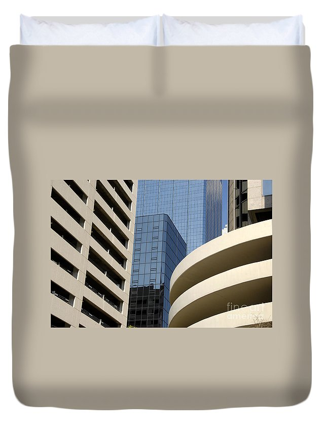 Modern Duvet Cover featuring the photograph Modern Architecture by David Lee Thompson