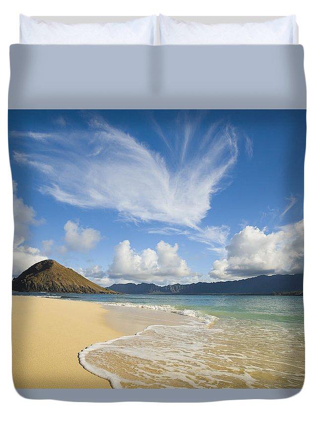 Afternoon Duvet Cover featuring the photograph Mokulua Island Beach by Dana Edmunds - Printscapes