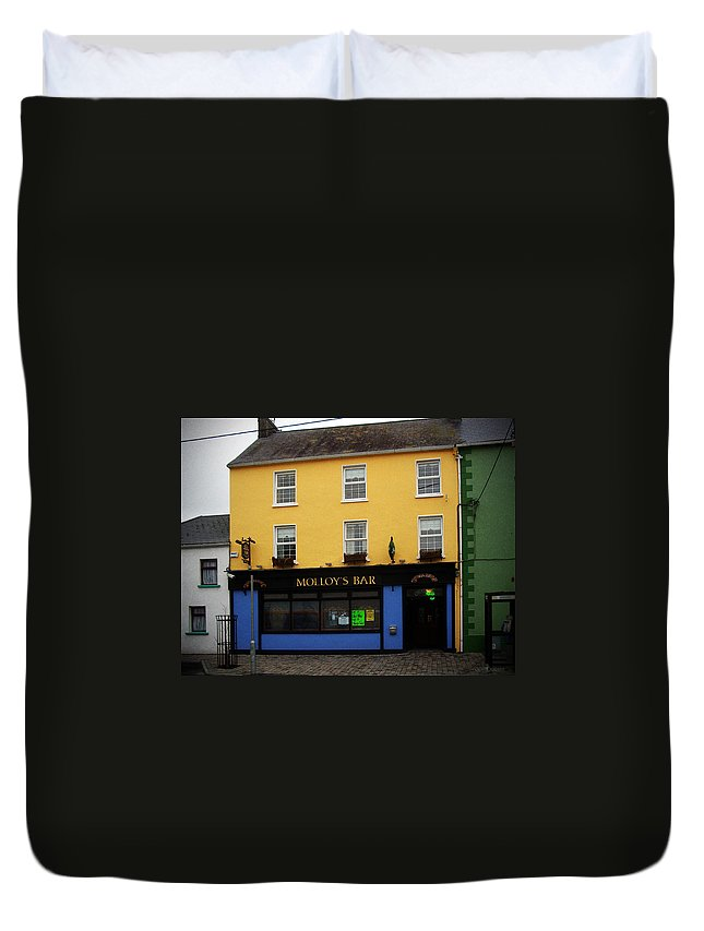 Pub Duvet Cover featuring the photograph Molloy by Tim Nyberg