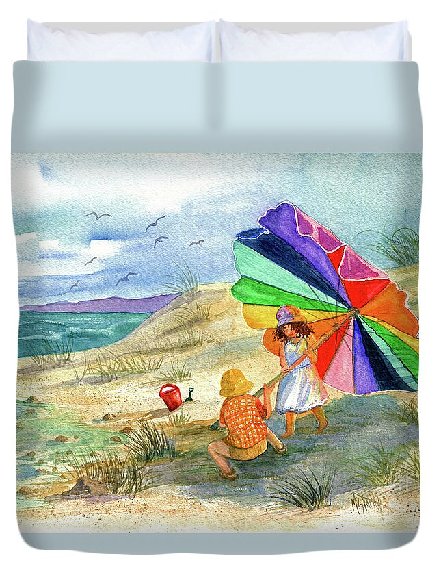 Children Duvet Cover featuring the painting Moments To Remember by Marilyn Smith