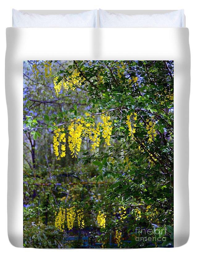 Still Life Duvet Cover featuring the photograph Monet's Garden Abstract II by Donald Hansen