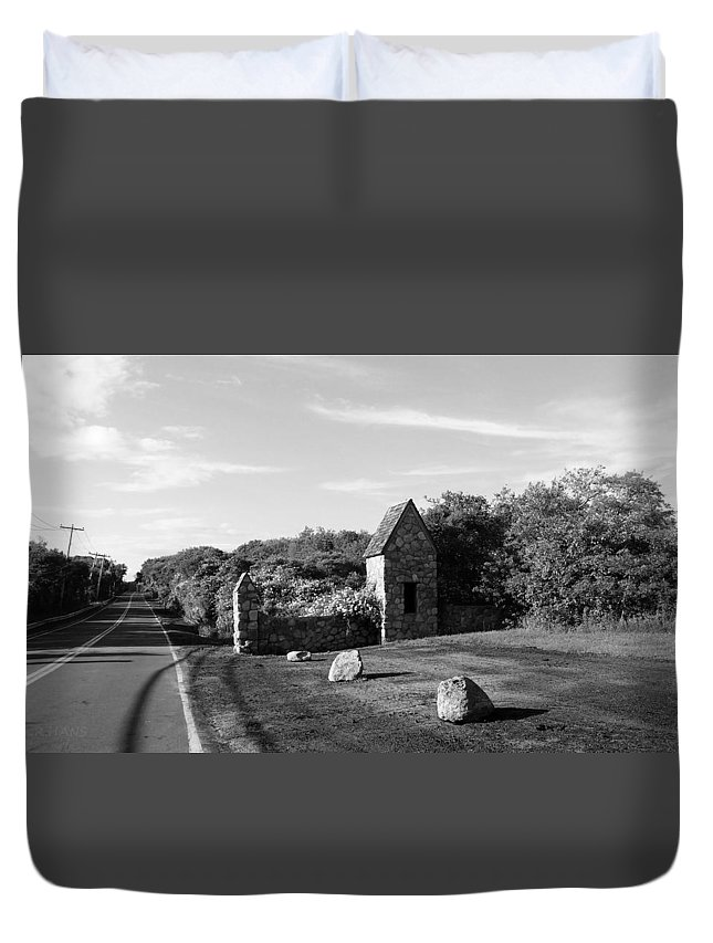 Stones Duvet Cover featuring the photograph Montauk Guard House B W by Rob Hans