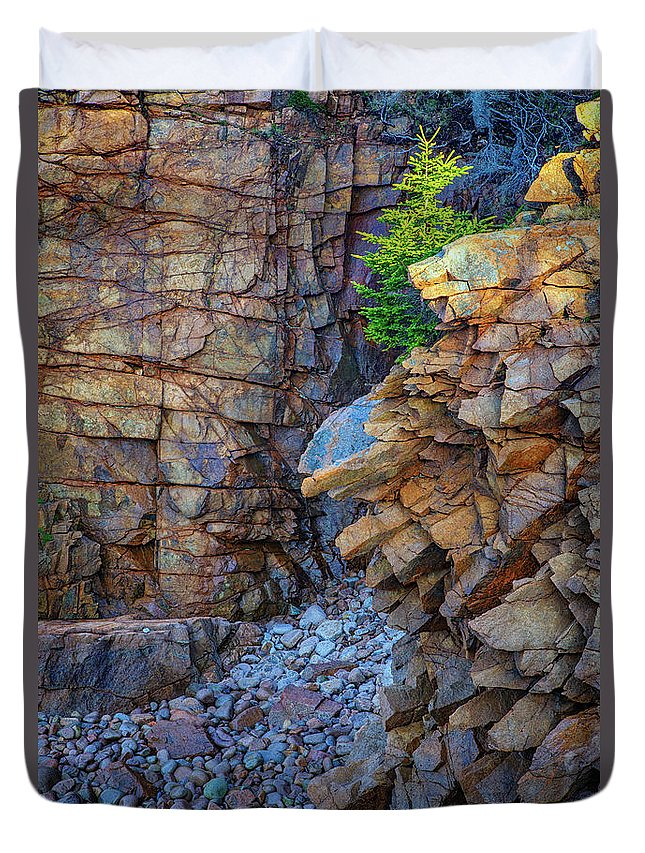 Monument Cove Duvet Cover featuring the photograph Monument Cove II by Rick Berk