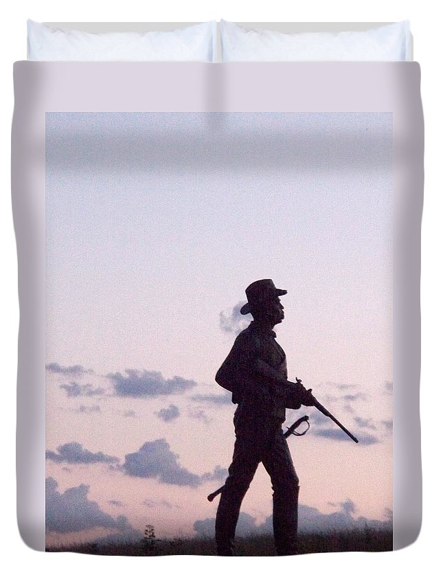 Gettysburg Duvet Cover featuring the painting Monument Gettysburg by Eric Schiabor