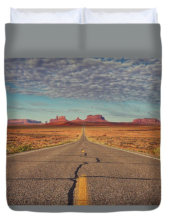 Monument Duvet Cover featuring the photograph Monument Valley by Andrew Rich