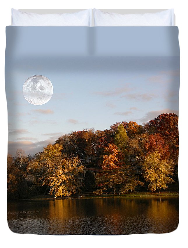 Moon Rising Duvet Cover featuring the photograph Moon Rising by Dennis Bivens