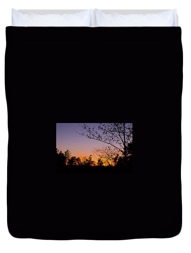 Moon Duvet Cover featuring the photograph Moon Rising by Gary Adkins