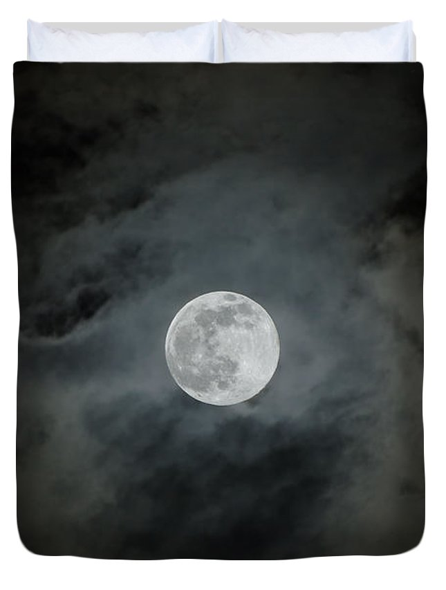 Moon Duvet Cover featuring the photograph Moonstruck by Rich Leighton
