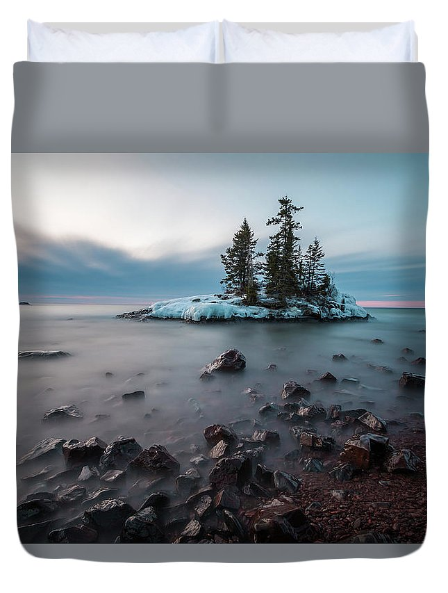 Sunrise Duvet Cover featuring the photograph Morning At The Tombolo by Linda Ryma