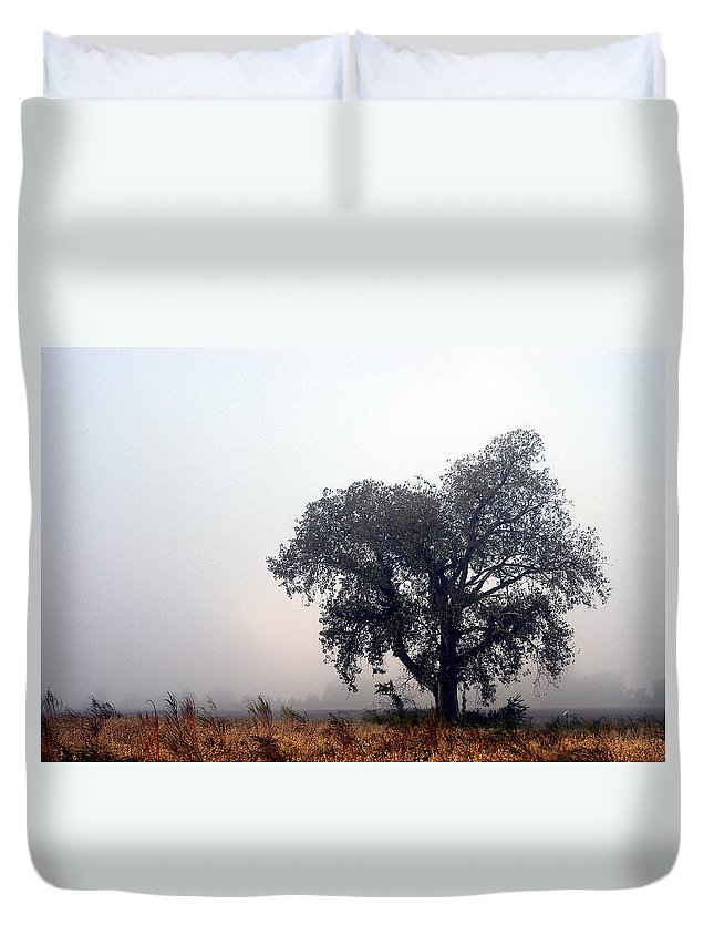 Fog Duvet Cover featuring the photograph Morning Fog - The Delta by D'Arcy Evans