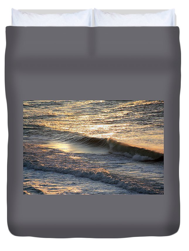 Ocean Waves Duvet Cover featuring the photograph Morning Promise by Tamivision