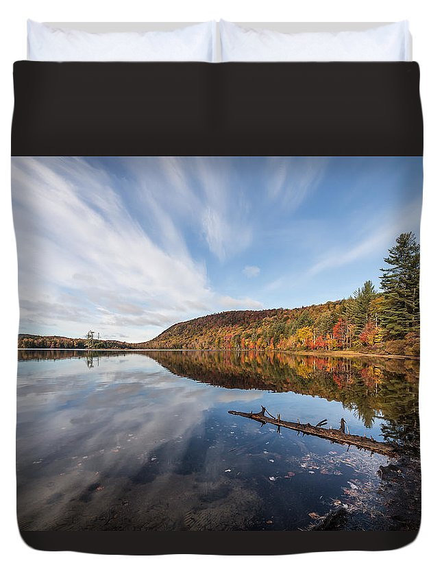 Moss Lake Duvet Cover featuring the photograph Moss Lake by Sandy Roe