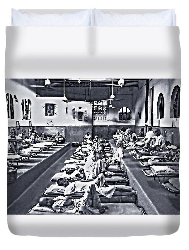 Calcutta Duvet Cover featuring the photograph Mother Theresa's by Steve Harrington