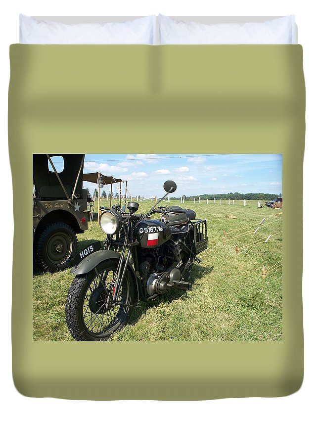 Automotive Duvet Cover featuring the painting Motorcycle by Eric Schiabor