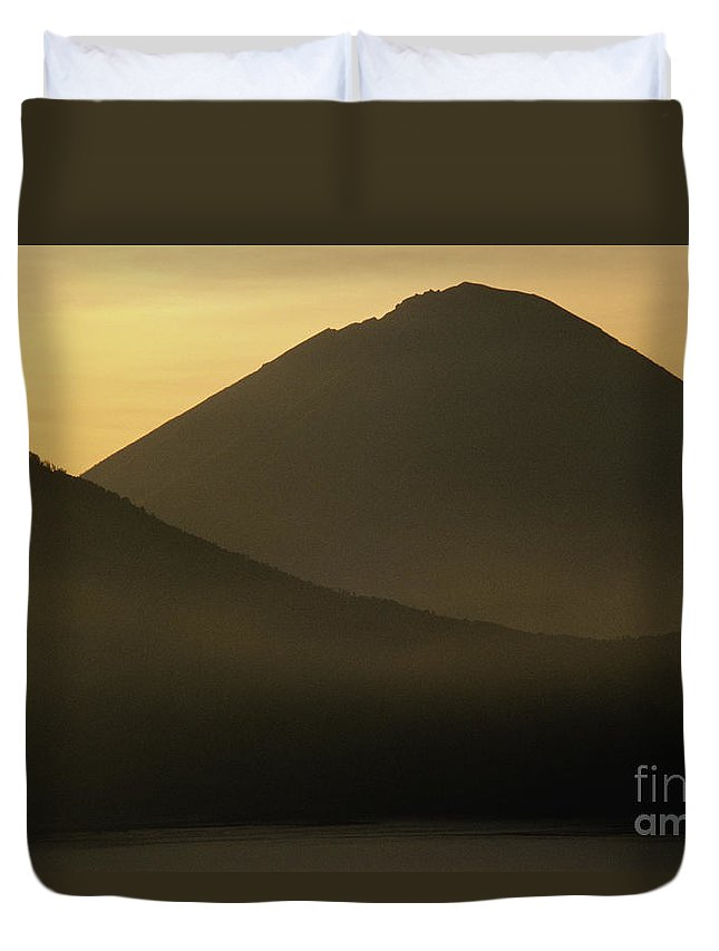 Abang Duvet Cover featuring the photograph Mount Agung by William Waterfall - Printscapes