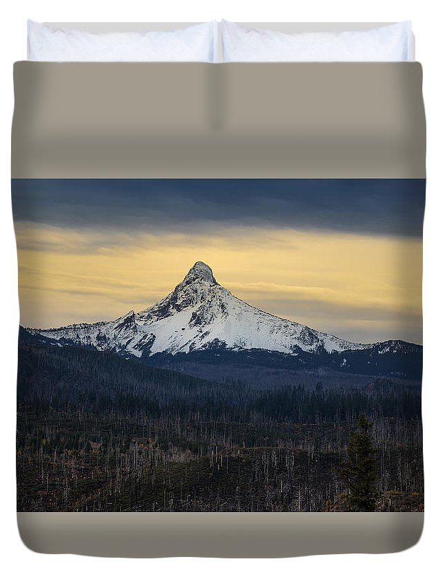 Bend Duvet Cover featuring the photograph Mount Washington, Oregon by Scott Slone