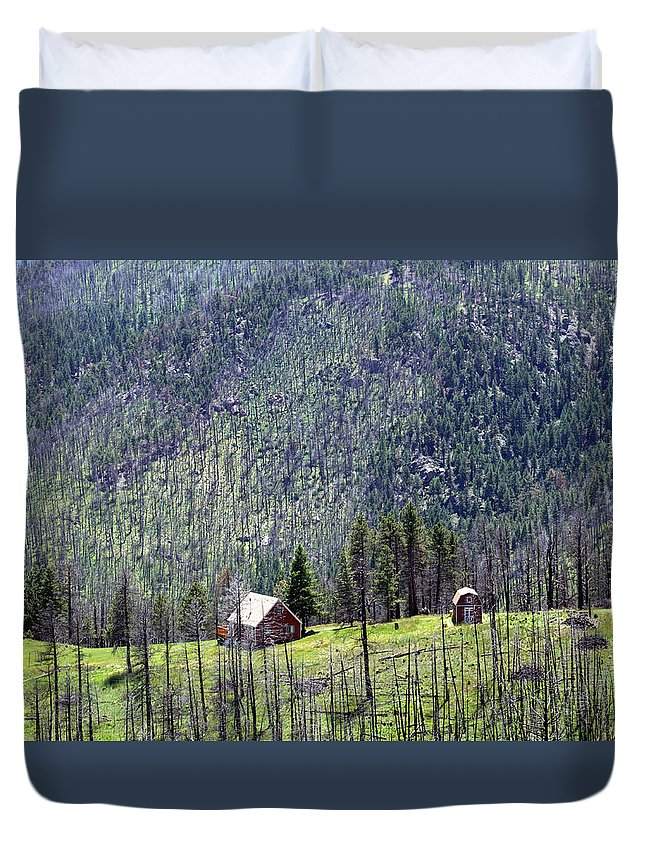 Mountain Duvet Cover featuring the photograph Mountain Cabin by Tracy Skinner
