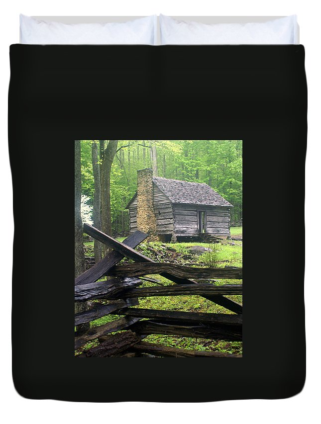 Smokey Mountain National Park Duvet Cover featuring the photograph Mountain Homestead by Marty Koch