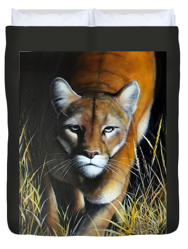 Mountain Lion Duvet Cover featuring the painting Mountain Lion In Tall Grass by Jon Quinn