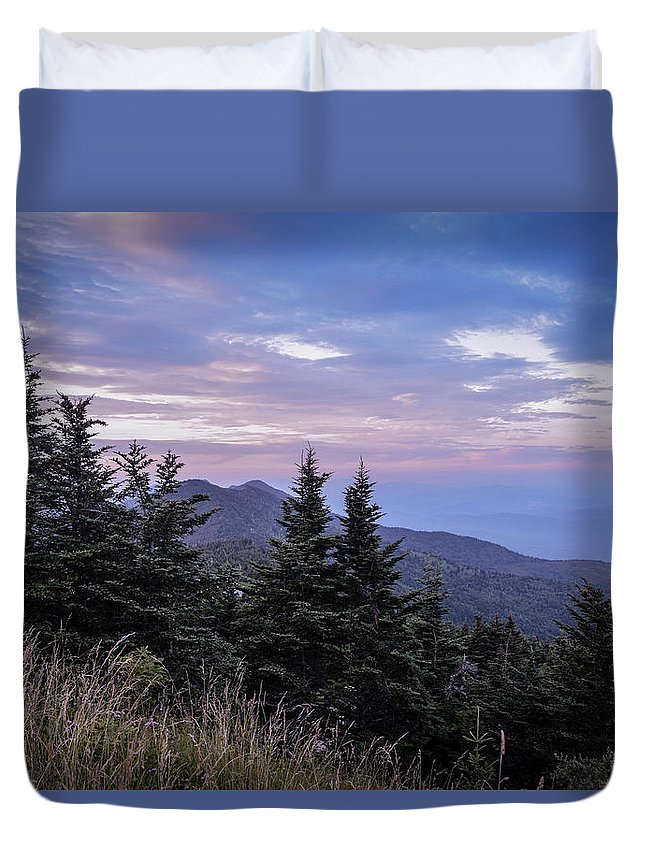 Landscape Duvet Cover featuring the photograph Mountain Sunset by Brittany Jordan