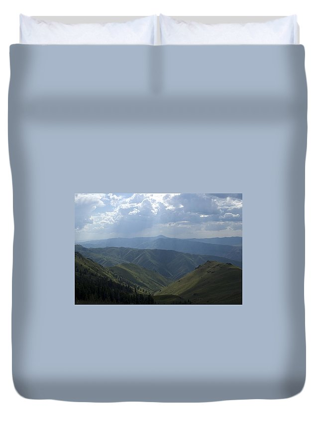 Mountains Duvet Cover featuring the photograph Mountain Top 1 by Sara Stevenson