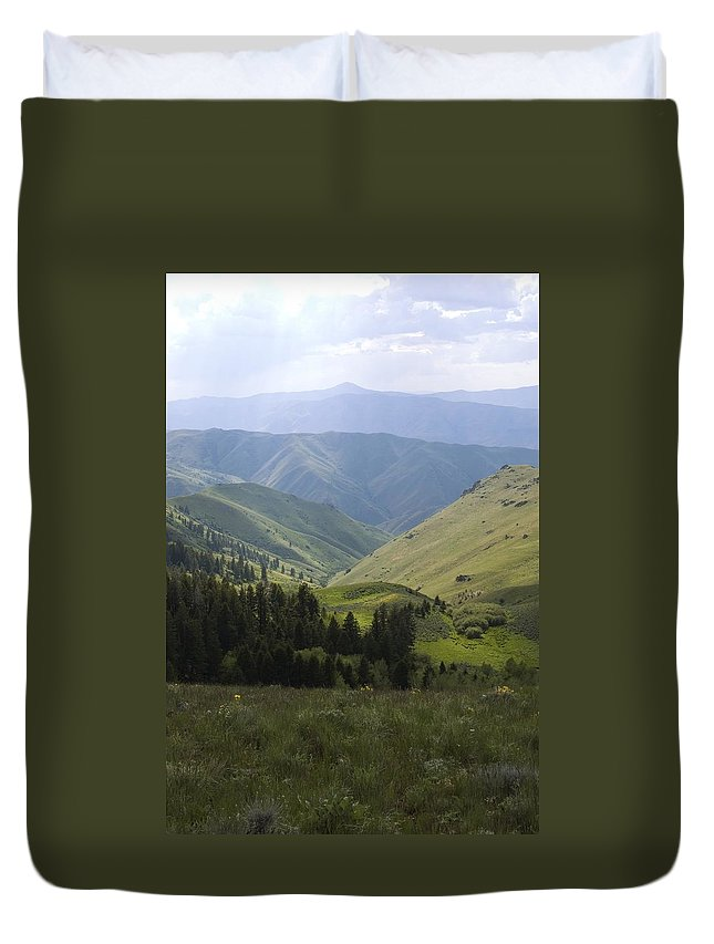 Mountain Duvet Cover featuring the photograph Mountain Top 6 by Sara Stevenson