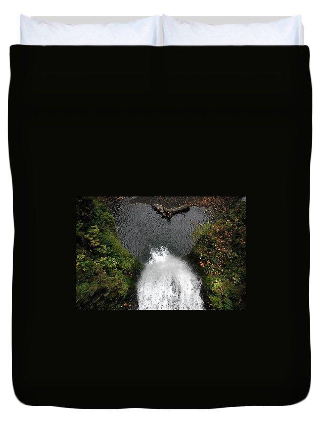 Multnomah Falls Duvet Cover featuring the photograph Multnomah Falls - 4 by D'Arcy Evans