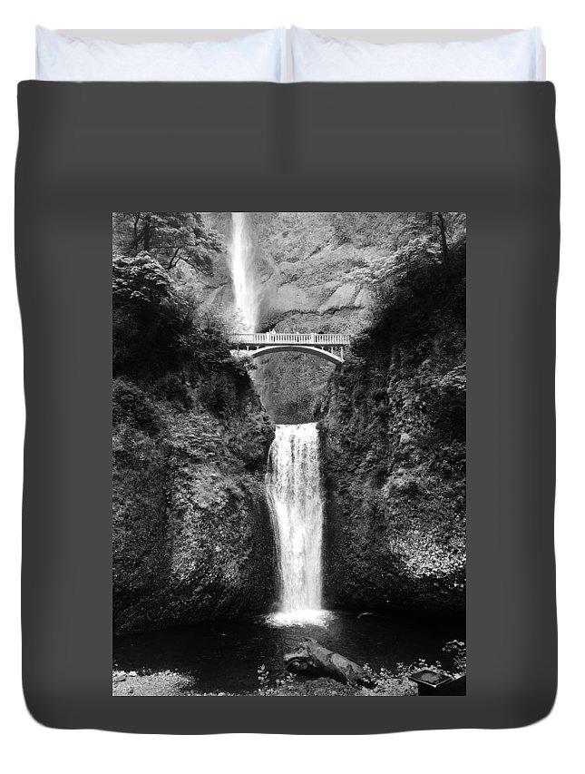 Oregon Duvet Cover featuring the photograph Multnomah Falls 2 by Sandra M